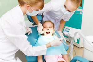 child-to-the-dentist